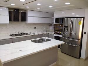 Apartamento En Ventaen Municipio San Diego, Terrazas De San Diego, Venezuela, VE RAH: 22-8594