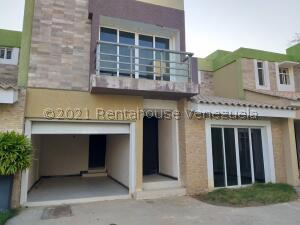 Townhouse En Ventaen Cabimas, 5Bocas, Venezuela, VE RAH: 22-8280