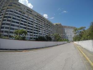 Apartamento En Ventaen Parroquia Caraballeda, Los Corales, Venezuela, VE RAH: 22-8285