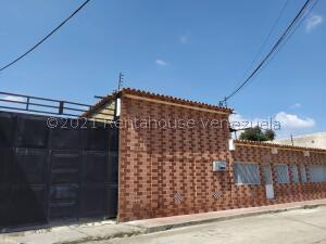 Galpon - Deposito En Ventaen Guacara, Ciudad Alianza, Venezuela, VE RAH: 22-8705