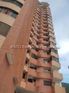 Apartamento En Ventaen Valencia, La Trigaleña, Venezuela, VE RAH: 22-8369