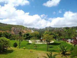 Apartamento En Ventaen Los Teques, El Solar De La Quinta, Venezuela, VE RAH: 22-8370