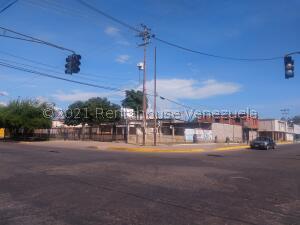 Galpon - Deposito En Ventaen Ciudad Ojeda, Avenida 34, Venezuela, VE RAH: 22-8355