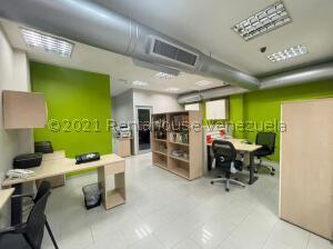 Oficina En Ventaen Punto Fijo, Puerta Maraven, Venezuela, VE RAH: 22-8404