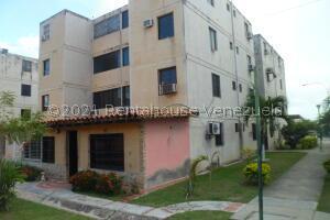 Apartamento En Alquileren Municipio Los Guayos, Paraparal, Venezuela, VE RAH: 22-8539