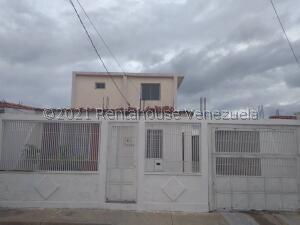 Casa En Ventaen Barquisimeto, Parroquia Tamaca, Venezuela, VE RAH: 22-8417