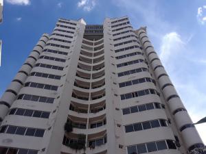 Apartamento En Ventaen Valencia, El Bosque, Venezuela, VE RAH: 22-8425