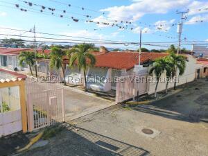 Casa En Ventaen Cabudare, Almarriera, Venezuela, VE RAH: 22-8470