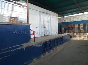 Galpon - Deposito En Ventaen Coro, Sector Independencia, Venezuela, VE RAH: 22-8477