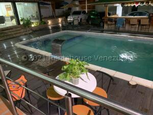 Casa En Ventaen Parroquia Caraballeda, Palmar Este, Venezuela, VE RAH: 22-8851