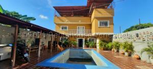Casa En Ventaen Maracaibo, Los Bucares, Venezuela, VE RAH: 22-8503