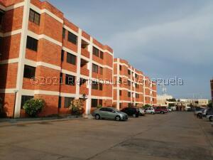 Apartamento En Ventaen Maracaibo, Avenida Milagro Norte, Venezuela, VE RAH: 22-8504