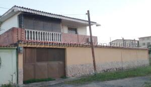 Casa En Ventaen Higuerote, Higuerote, Venezuela, VE RAH: 22-8546