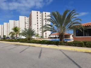 Apartamento En Ventaen Margarita, Sabanamar, Venezuela, VE RAH: 22-8548