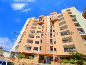 Apartamento En Ventaen Maracay, Los Chaguaramos, Venezuela, VE RAH: 22-8577