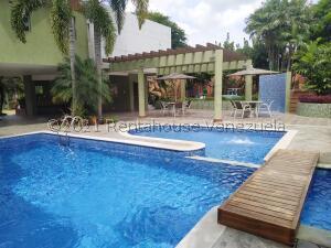 Townhouse En Ventaen Municipio Naguanagua, Manongo, Venezuela, VE RAH: 22-8635