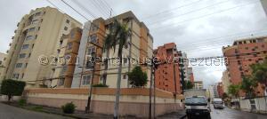 Apartamento En Ventaen Maracay, El Bosque, Venezuela, VE RAH: 22-8651