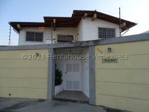 Casa En Ventaen Caracas, Cumbres De Curumo, Venezuela, VE RAH: 22-8663