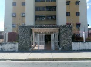 Apartamento En Ventaen Turmero, San Pablo, Venezuela, VE RAH: 22-8695