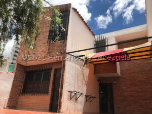 Casa En Ventaen Municipio San Diego, La Esmeralda, Venezuela, VE RAH: 22-8725