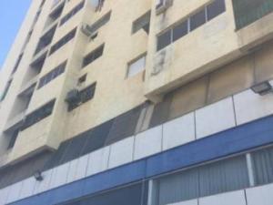 Apartamento En Ventaen Maracaibo, 5 De Julio, Venezuela, VE RAH: 22-8790