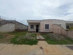 Casa En Ventaen Barquisimeto, Roca Del Norte, Venezuela, VE RAH: 22-8850