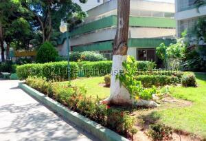 Apartamento En Ventaen Margarita, Porlamar, Venezuela, VE RAH: 22-8854