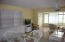 Spacious living/dining room