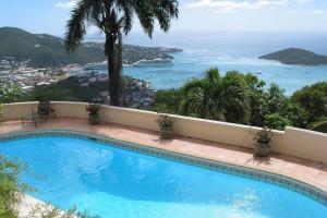 Gorgeous Pool Overlooking Habor