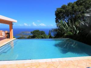 7 Caret Bay LNS, St. Thomas,