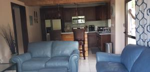 Renovated, Tastefully Decorated 1BR