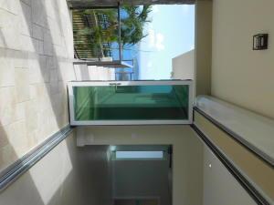 Balcony to livingroom