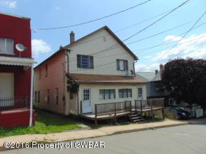 210 CENTER St, Plymouth, PA 18651