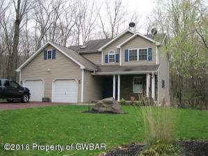 209 FOUR SEASONS DR, Drums, PA 18222