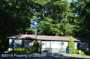 18 Lee RD, White Haven, PA 18661