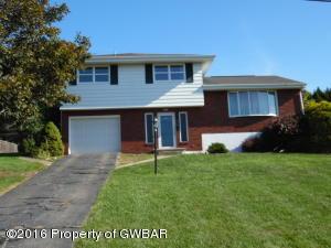 105 Maple Ln, Pittston, PA 18640