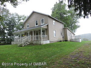 162 OUTLET RD, Dallas, PA 18612