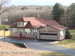 5870 Nuangola Rd, Mountain Top, PA 18707
