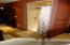 Large Shower w/Shelves & Seat