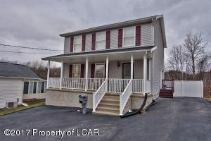17 Law St, Pittston, PA 18640