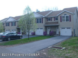 W Woodhaven Dr, White Haven, PA 18661