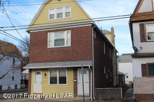 907 W MARKET ST, Kingston, PA 18704