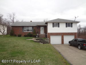 25 Brown Crest Dr, West Wyoming, PA 18644