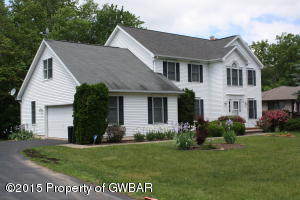 27 PINE TREE RD, Mountain Top, PA 18707
