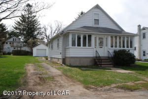 19 Florida Ave, West Wyoming, PA 18644