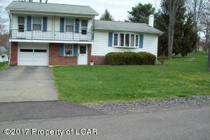 1 Glendale Drive, Mountain Top, PA 18707