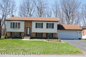 12 Valley View Dr, Mountain Top, PA 18707