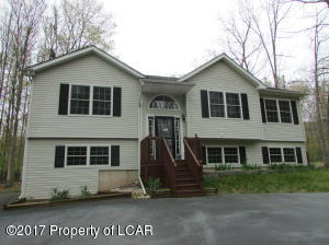 216 Snow Valley Dr, Drums, PA 18222