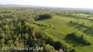 1656 St Marys Rd, Mountain Top, PA 18707