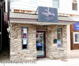 511 Centre St, Freeland, PA 18224